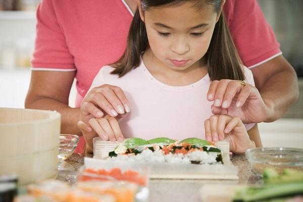 В суши содержится достаточное количество микроэлементов для нормальной жизнедеятельности организма